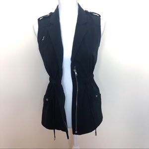 hm • black zip front collared utility vest